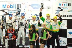 P2 podium: 3de Chris Dyson, Guy Smith en Andy Meyrick