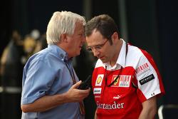 Charlie Whiting, FIA délégué à la sécurité, Directeur de course et starter officiel, Stefano Domenicali Ferrari Directeur général