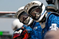Team Falken Tires Porsche pitstop