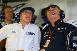 Sir Jackie Stewart, RBS représentant et Ex F1 Champion du Monde avec Patrick Head, WilliamsF1 Team, Directeur de l'ingénierie