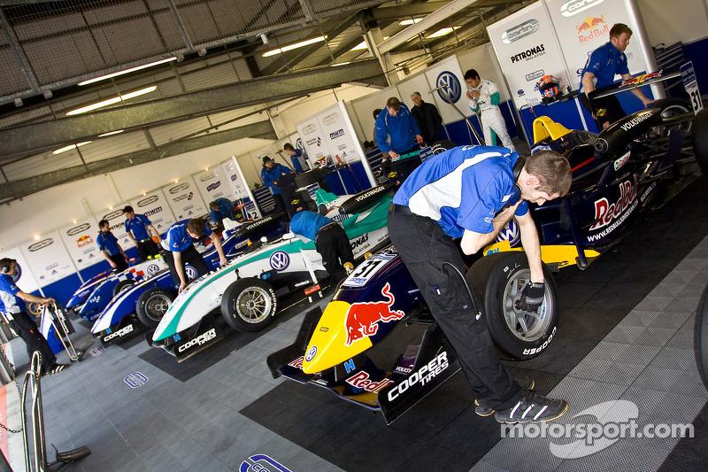 Carlin pit garage
