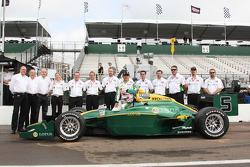Takuma Sato, KV Racing Technology poses with KV Racing team members and his Lotus livery car
