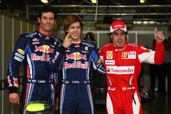 Pole winner Sebastian Vettel, Red Bull Racing, 2e Mark Webber, Red Bull Racing, et 3e Fernando Alonso, Scuderia Ferrari