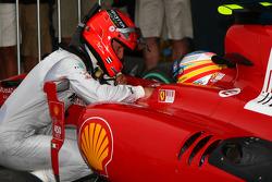 Michael Schumacher, Mercedes GP et Fernando Alonso, Scuderia Ferrari