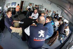 Team Peugeot Total met de media
