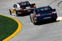 Travis Kvapil, Front Row Motorsports with Yates Racing Ford, Brian Vickers, Red Bull Racing Team Toy