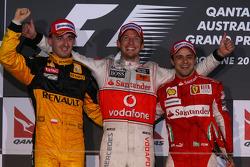 Podio: ganador de la carrera Jenson Button, McLaren Mercedes, segundo lugar Robert Kubica, Renault F