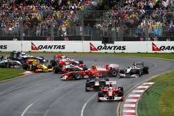 Felipe Massa, Scuderia Ferrari, Mark Webber, Red Bull Racing, Fernando Alonso, Scuderia Ferrari, Mic