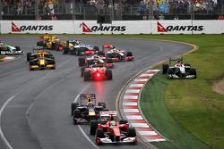 Race start Felipe Massa, Scuderia Ferrari, Mark Webber, Red Bull Racing