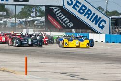 #21 Inspire Motorsports Elan DP02: Charlie Shears, #8 Primetime Race Group Elan DP02: Anthony Nicolo