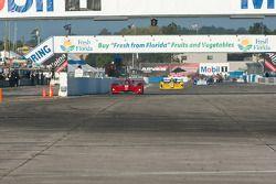 #4 Eurosport Racing Elan DP02: Antonio Downs, #13 Inspire Motorsports Elan DP02: Gary Gibson