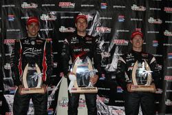 Podium: race winner Will Power, Team Penske, second place Justin Wilson, Dreyer & Reinbold Racing, t