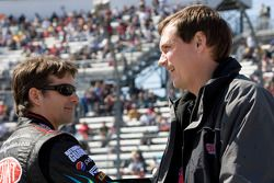 Jeff Gordon, Hendrick Motorsports Chevrolet discute avec chef d'équipe Steve Letarte