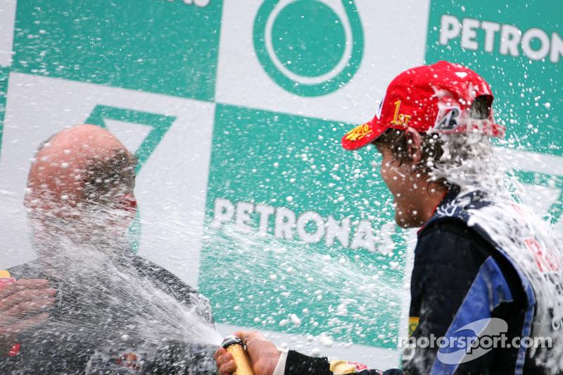 Podium: race winnaar Sebastian Vettel, Red Bull Racing, Adrian Newey, Red Bull Racing, Technical Operations Director