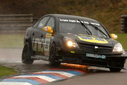 Phil Glew Triple Eight Racing Vauxhall Vectra sparks