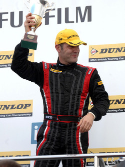vainqueur Fabrizio Giovanardi Triple Eight Racing