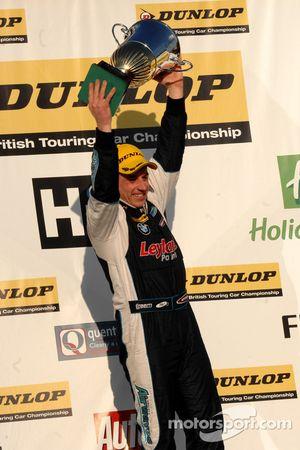 Race Winner Steven Kane Airwaves BMW