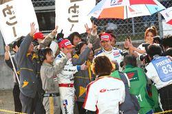 Vainqueur GT300 #18 Weider HSV-010: Takashi Kogure, Loic Duval