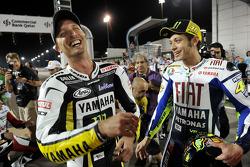 Sesión de fotos de pilotos de MotoGP: Colin Edwards, Monster Yamaha Tech 3 y Valentino Rossi, Fiat Y