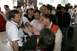 Audi Sport Team Joest devant les médias