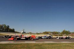 Will Power, Team Penske devant Helio Castroneves, Team Penske, Rapheal Matos, de Ferran Luzco Dragon