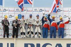 LMP2 podium: klassewinnaars Nick Leventis, Danny Watts en Jonny Kane, tweede plaats Richard Hein en