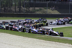 Start: Will Power, Team Penske and Mike Conway, Dreyer & Reinbold Racing lead the field