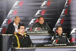 Peter Sauber, BMW Sauber F1 Team, Takım Patronu ve Eric Boullier, Takım Patronu, Renault F1 Team Col