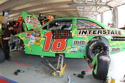 Werk aan de #18 Interstate Batteries Toyota van Kyle Busch