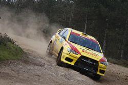 Nicholai Georgiou et Joseph Matar, Mitsubishi Lancer Evo X, Pilote star Pirelli
