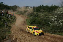 Peter Horsey et Moses Matovu, Mitsubishi Lancer Evo X, Pilote star Pirelli