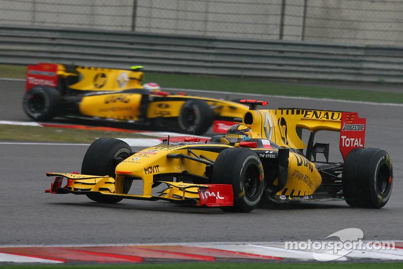 Robert Kubica, Renault F1 Team ve Vitaly Petrov, Renault F1 Team