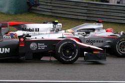 Карун Чандок, Hispania Racing F1 Team, Льюис Хэмилтон, McLaren Mercedes и Михаэль Шумахер, Mercedes