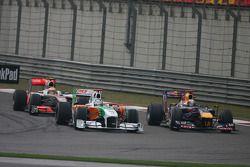 Адриан Сутиль, Force India F1 Team и Себастьян Феттель, Red Bull Racing