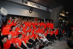 Race winner Jenson Button, McLaren Mercedes, celebrates with his team