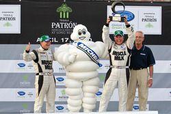 Michelin Green X Challenge podium: prototype vainqueurs Klaus Graf et Greg Pickett