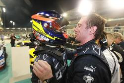 Race winnaars Romain Grosjean en Thomas Mutsch