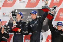 Podium: race winnaars Romain Grosjean en Thomas Mutsch