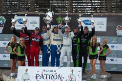 GTC podium: class winners Juan Gonzalez and Butch Leitzinger, second place Bret Curtis and James Sofronas, third place Bill Sweedler and Romeo Kapudija