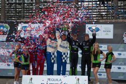 GTC podium: klasse winnaars Juan Gonzalez en Butch Leitzinger, tweede plaats Bret Curtis en James So