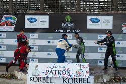 LMGTC podium: Champagne !