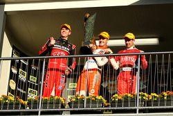 #2 Toll Holden Racing Team: Garth Teter, #1 Team Vodafone: Jamie Whincup, #34 Garry Rogers Motorspor