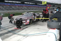 Pit stop for David Reutimann