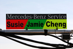 Pitbord Susie Stoddart, Persson Motorsport, AMG Mercedes C-Klasse; Jamie Green, Persson Motorsport, AMG Mercedes C-Klasse en Congfu Cheng, Persson Motorsport, AMG Mercedes C-Klasse