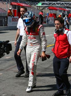Разочарованный Тимо Шайдер, Audi Sport Team Abt, который не прошел в последнюю часть квалификации