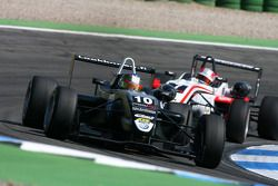 Matias Laine, Motopark Academy, Dallara F308 Volkswagen, devant Nicolas Marroc, Prema Powerteam, Dallara F308 Mercedes