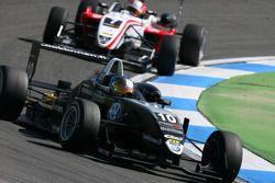 Matias Laine, Motopark Academy, Dallara F308 Volkswagen devant Nicolas Marroc, Prema Powerteam, Dallara F308 Mercedes