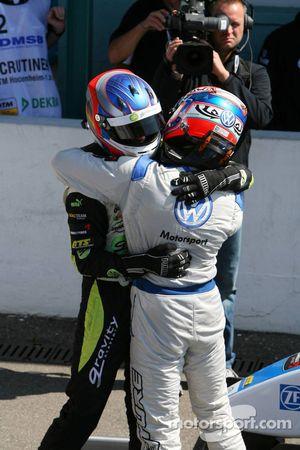 Marco Wittmann, Signature and Edoardo Mortara, Signature, congratulating each other after finishing