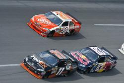 Denny Hamlin, Joe Gibbs Racing Toyota, Brian Vickers, Red Bull Racing Team Toyota, Joey Logano, Joe Gibbs Racing Toyota