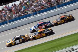 Kyle Busch, Joe Gibbs Racing Toyota, Jeff Burton, Richard Childress Racing Chevrolet, Dale Earnhardt